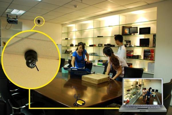 В Ip камере связь с ноутбуком производится через интернет