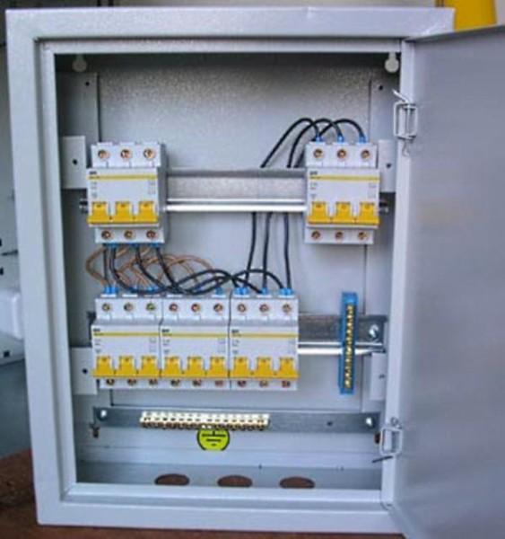 Трехфазные автоматы в электрощите