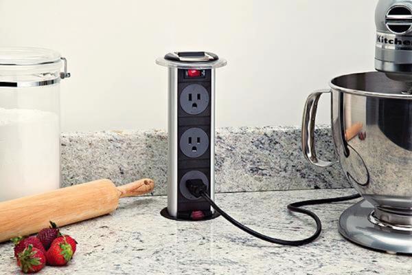 Интересный дизайн кухонной розетки