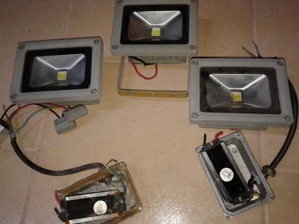 Светодиодный прожектор с защитой от грязи и воды