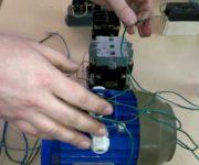 Как подключить трехфазный электродвигатель в сеть 220В – схемы и рекомендации