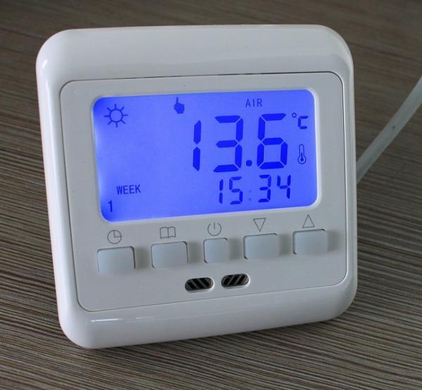 Комнатный терморегулятор с датчиком температуры