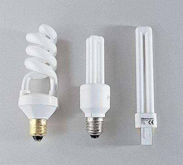 Не стоит устанавливать диммер на энергосберегающие и люминисцентные лампы