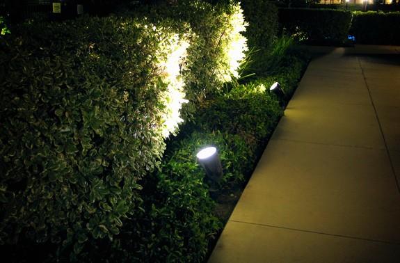 Освещение прожекторами на дачном участке