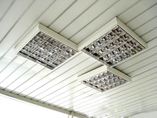 Люминисцентные светильники