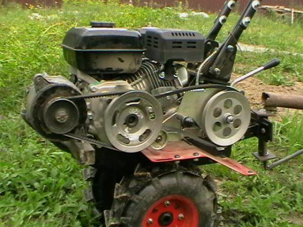 Для сборки самодельного генератора подойдут детали мотоблока