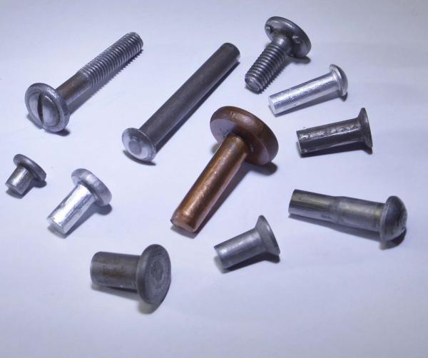 Алюминиевые и стальные заклепки