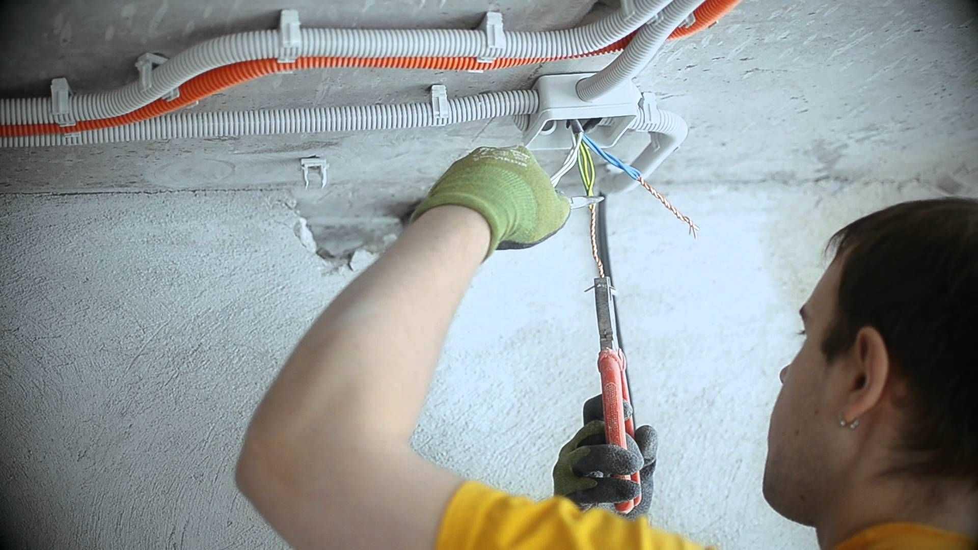 Монтаж электропроводки своими руками — пошаговая инструкция и подробное описание как уложить электропроводку (105 фото   видео)
