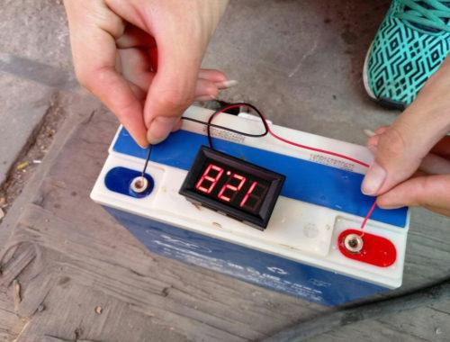 Вольтметр-для-аккумулятора